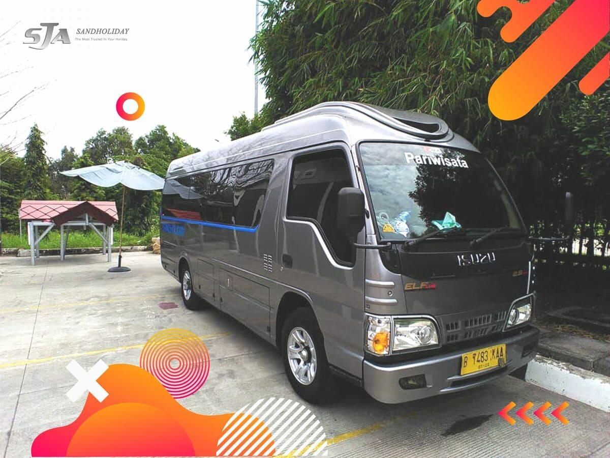 Sewa bus pariwisata di Jakarta